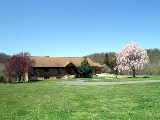 Rental home Shenandoah river. Secluded 160 acres - Shenandoah vacation rentals