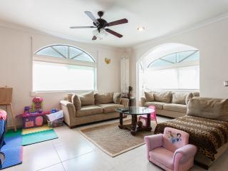 Beautiful condo in downtown Cancun - Cancun vacation rentals