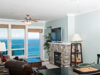 Oceanfront Top Floor Condo - Hot Tub - Pool - WiFi - Lincoln City vacation rentals