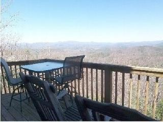 BALD EAGLE LODGE, 3200' FEET, 5 MIN. HELEN - Cleveland vacation rentals
