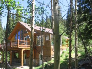 4 bedroom Cabin with Deck in Blue River - Blue River vacation rentals