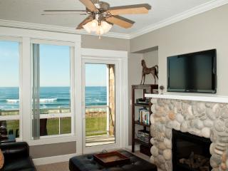 Oceanfront Luxury Condo/Hot Tub/Pool/WiFi - Lincoln City vacation rentals