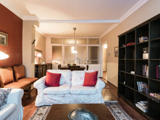 3 bdr Akbiyik apartment in Sultanahmet - Istanbul vacation rentals