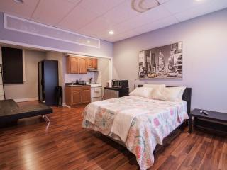 Studio Apt 10 mins from midtown NYC - Weehawken vacation rentals