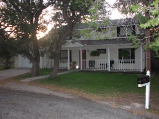 Perfect 3 bedroom Granbury Cottage with Internet Access - Granbury vacation rentals
