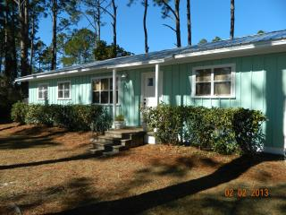 Charming 4 BR / 2 Bath Cottage Close to Beach! - Mexico Beach vacation rentals