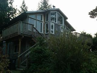 Poplular Beagle, great location. - Manzanita vacation rentals