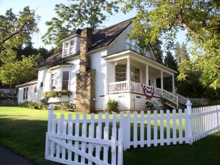 Vacation Home & Private Guest Cottage - Jacksonville vacation rentals