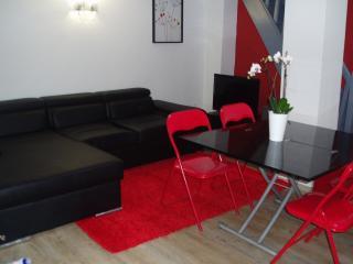 Studio avec mezzanine - maison  accès indépendant - Sevran vacation rentals