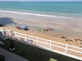 Truly Oceanfront Walk Up in Luquillo, Puerto Rico - Luquillo vacation rentals