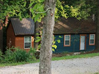 3 bedroom Cabin with Deck in Glouster - Glouster vacation rentals