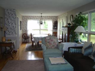 FURNISHED HOME FOR BRISTOL RACES & RHYTHM & ROOTS - Bristol vacation rentals