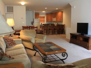 Wildwood Square 4BR/3.5BA, Pool, Sleeps 10 - Wildwood vacation rentals