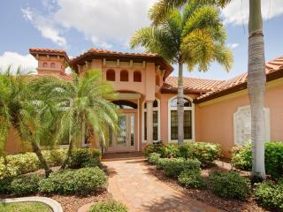 Villa Sans Soucis with Pool/Whirlpool, incl. boat - Cape Coral vacation rentals