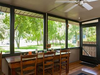 Cottage Home on Old Hickory Lake - Hendersonville vacation rentals