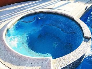 DELUXE ANAHEIM VACATION HOME - HEATED POOL & SPA - Anaheim vacation rentals