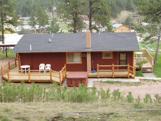 2 bedroom Cabin with Dishwasher in Hill City - Hill City vacation rentals