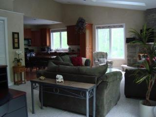 Nice House with Deck and Internet Access - Wiarton vacation rentals