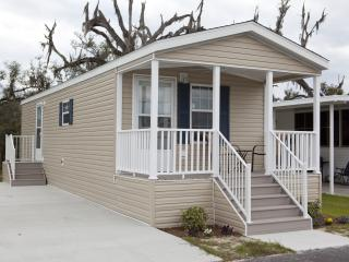 Cozy 1 Bedroom Cottage in Bushnell! - Bushnell vacation rentals
