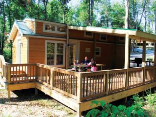 Christmas Cabin- Closest Lodging to Holiday World! - Santa Claus vacation rentals