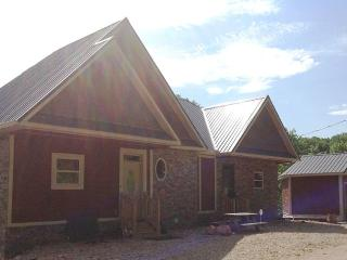 3 bedroom House with Deck in Smithville - Smithville vacation rentals