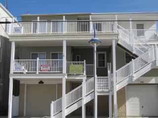 3BR PetFriendly Condo Rental StepsAwayFromTheBeach - Wildwood vacation rentals