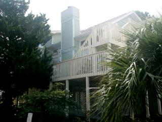 King bed plus 2 queens and 4 singles - Tybee Island vacation rentals