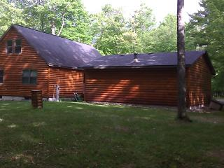 Log sided home in Minocqua Wisconsin - Minocqua vacation rentals