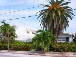 Boat Dockage, Private Pool, Hot Tub , & Beach Club - Marathon vacation rentals