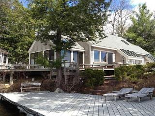 Winnipesaukee W/F with 4 BR, 3 BA & Sand Beach! - Moultonborough vacation rentals