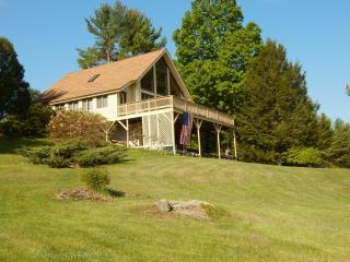 Nice Chalet with Deck and Internet Access - Sebago vacation rentals