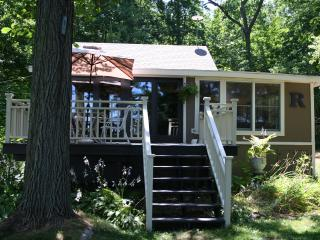 Perfect Cottage with Deck and Internet Access - Pullman vacation rentals