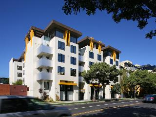 Fully Furnished Chic New 2 2 in Prime Santa Monica - Santa Monica vacation rentals