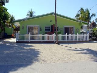 Beautiful 2 Bedroom Duck Key Duplex - Duck Key vacation rentals