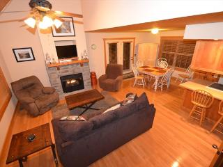 Stonebridge 1 Bedroom Lodge - Close to SDC! - Branson West vacation rentals