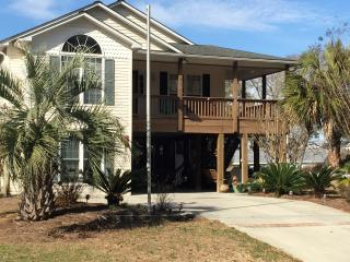 BEACH DREAMIN / 339 NE 46th Street - Oak Island vacation rentals