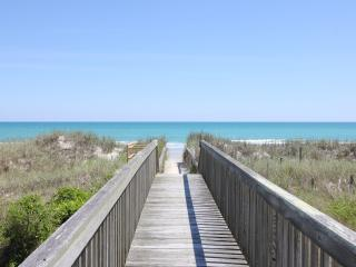 Beach Front, Gorgeous Decor, Hot Tub, Screen Porch - North Topsail Beach vacation rentals