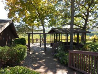 Wisconsin River Bluffs Private Lodge - Prairie du Chien vacation rentals