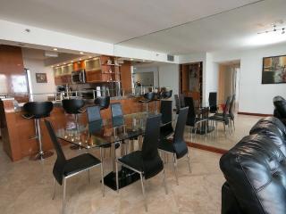 3 Bedroom upgraded modern condo on the bay - Miami vacation rentals