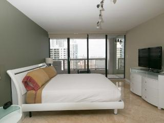 3 Bedroom upgraded modern condo on the bay - Miami vacation rentals