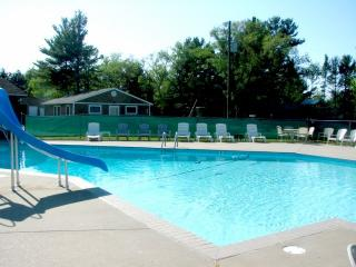 4 bdrm-Heated pool-AC sleeps 12 - Mears vacation rentals