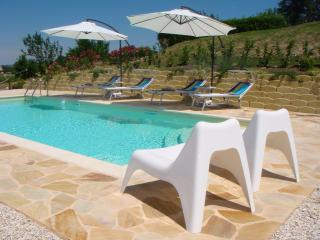 Bright 1 bedroom Servigliano Apartment with Internet Access - Servigliano vacation rentals