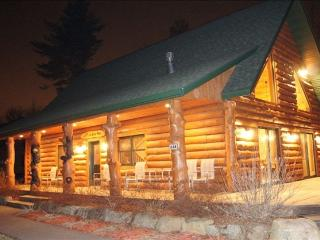 Bear Paw- 5 Bedroom Ultimate Getaway Custom Home - Wisconsin Dells vacation rentals