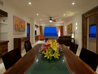 Gorgeous Oceanfront Villa - Sleeps 8 - Isla Mujeres vacation rentals