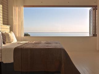 Mystical Green - 'Belmondo' bedroom - Santa Teresa vacation rentals