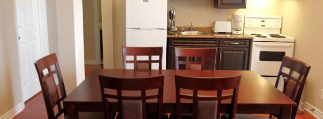 4 bedroom Cottage with Deck in Lindsay - Lindsay vacation rentals