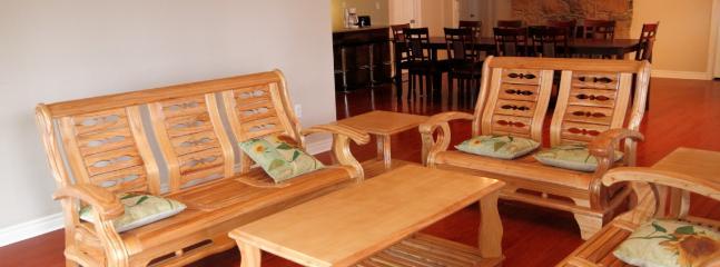 Beautiful 5 bedroom Cottage in Lindsay - Lindsay vacation rentals