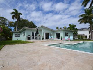 Villa, luxury gated community, walk to beach, pool - Fort Lauderdale vacation rentals