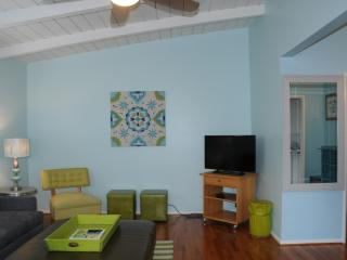 Cozy 1 Bdrm Cottage 1 Block from Beach Nestled - San Diego vacation rentals