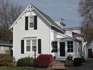 CHARMING Grosse Pointe Farms House, furnished - Grosse Pointe Farms vacation rentals